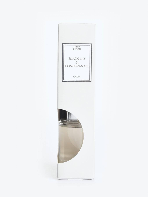 Black lily & pomegranate scented fragrance diffuser