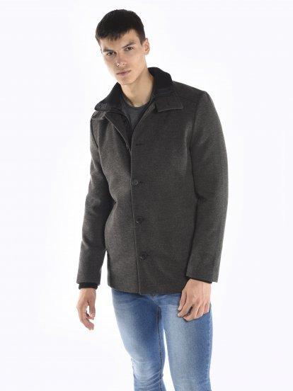 Płaszcz z pikowaną podszewką