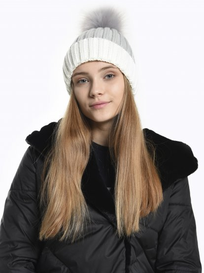 Faux fur pom ribbed beanie