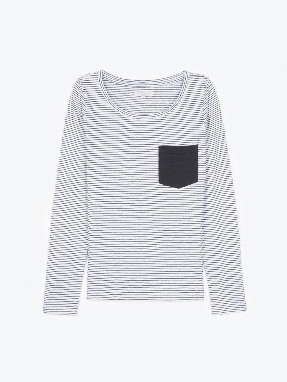 Prúžkované tričko s vreckom