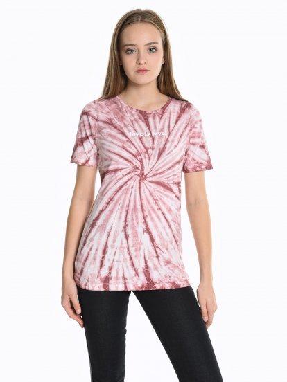 Batikované tričko s potlačou