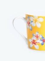 Mug with floral design