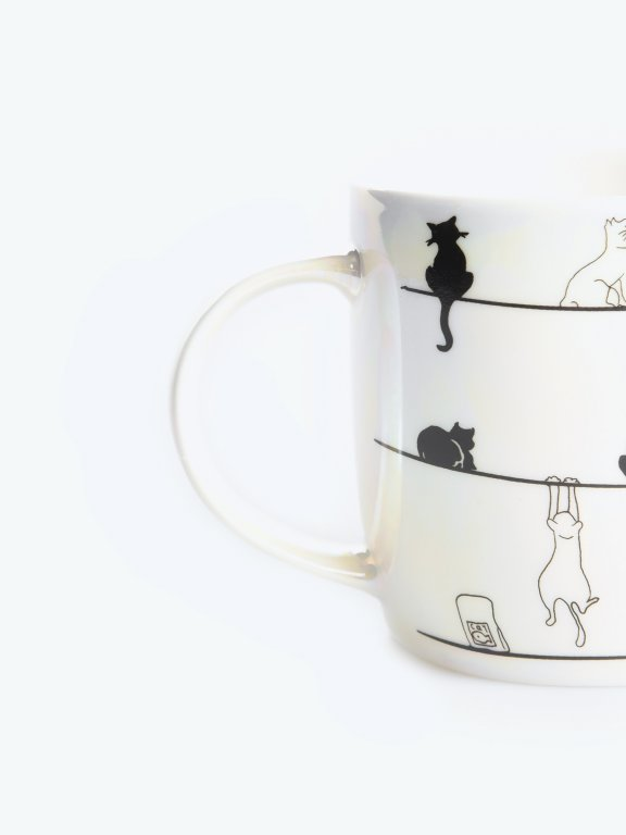 Holographic mug with cat print