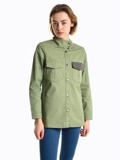 Košeľová bunda s ozdobným vreckom