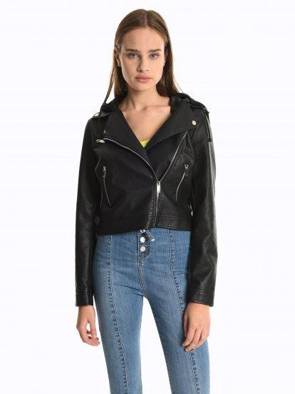 Motorkárska bunda z imitácie kože s odopínateľnou kapucňou