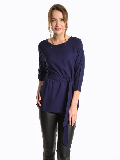 Loosy viscose blouse with belt