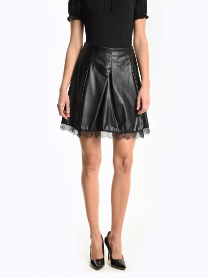 A-line skirt with lace on hem