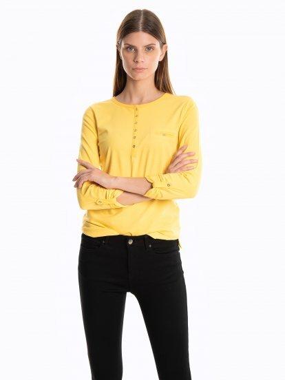 Tričko s narolovanými rukávmi
