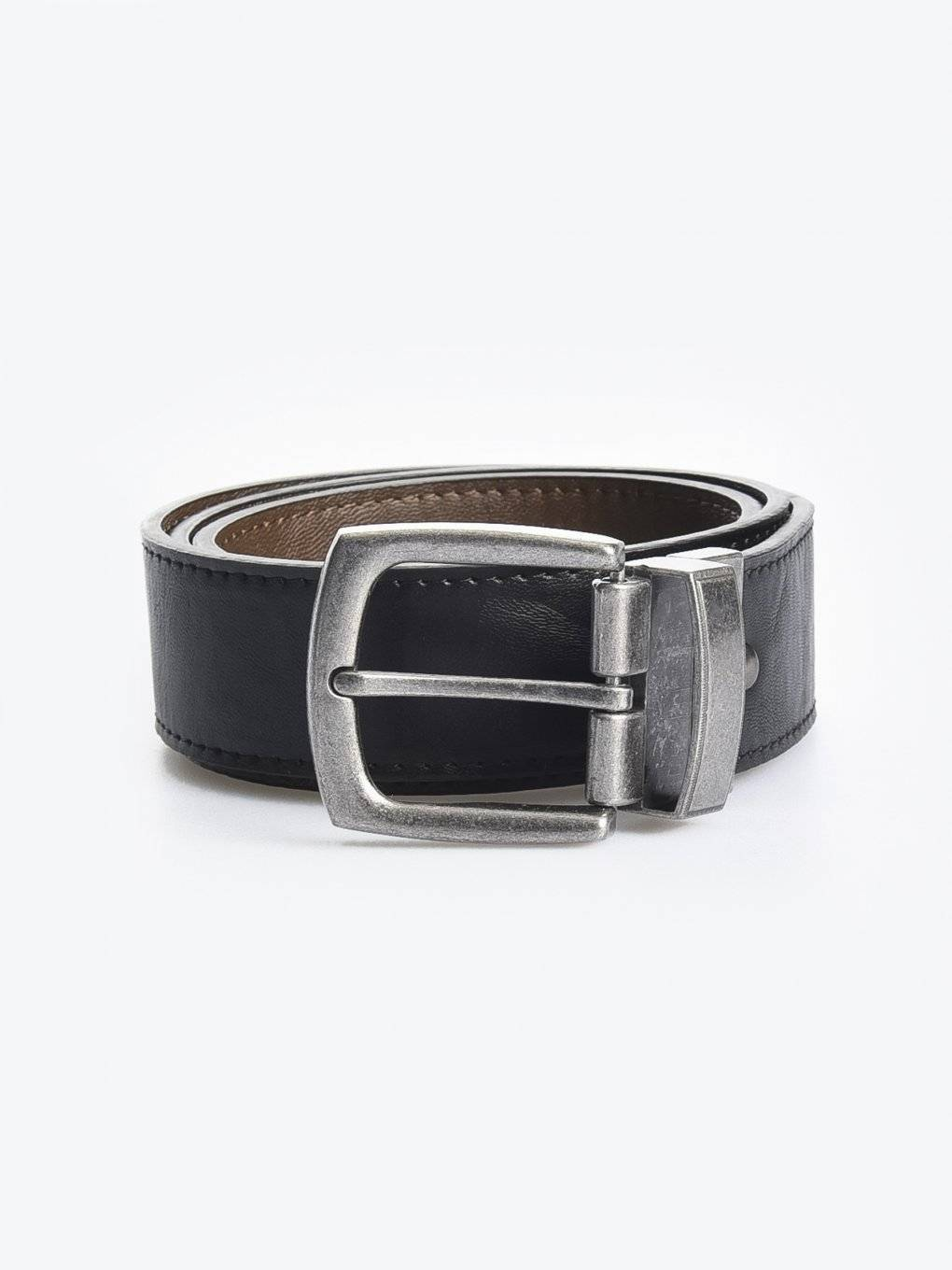 Reversible belt with metal buckle