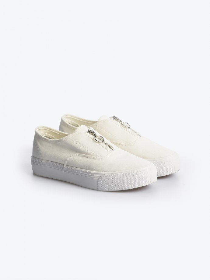 Casual cotton slip-ons with zipper