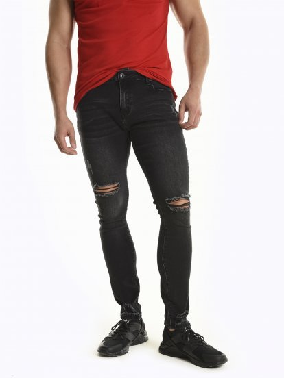 Damaged slim fit jeans