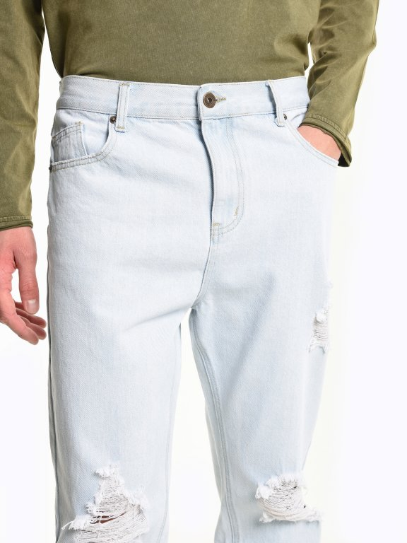 Damaged straight slim fit jeans