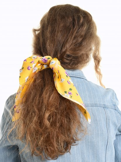 2-pack of floral print hair accessories
