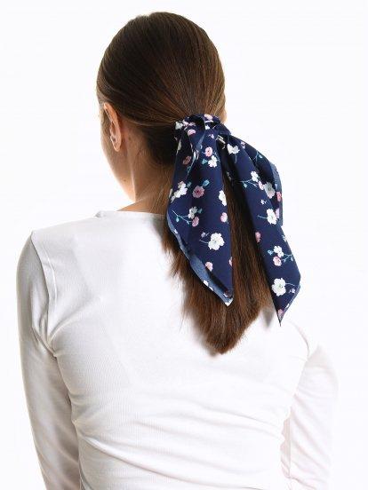 Zestaw dwóch ozdób kwiatowych do włosów