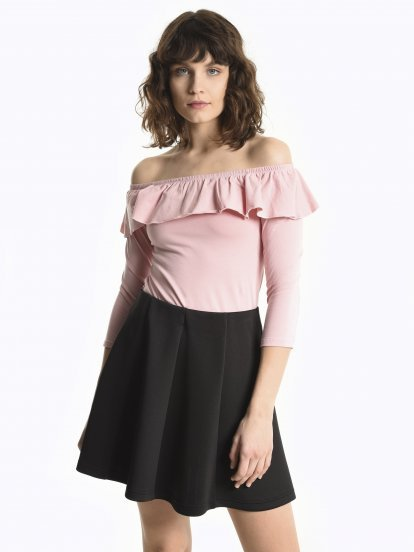 Off-the-shoulder ruffle top