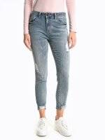 Distressed slim cropped fit jeans