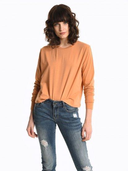 Základné široké tričko s dlhým rukávom