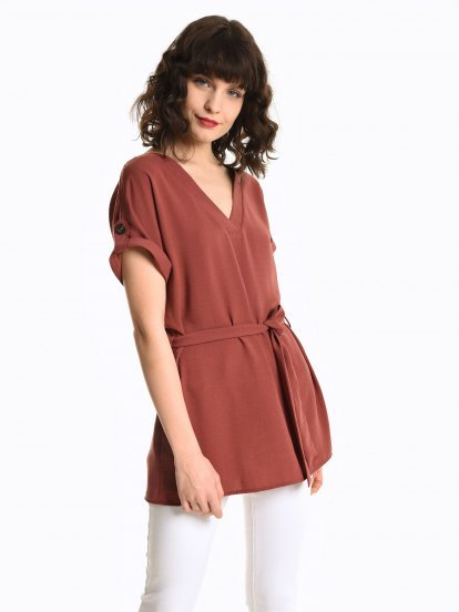 Plain blouse with belt