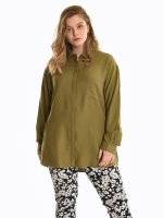 Loose fit blouse with chest pocket