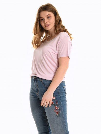 Jednoduché viskózové tričko