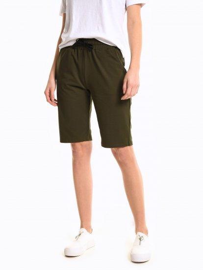 Plain sweatshorts with pockets