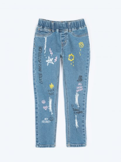 Comfy distressed jeans with prints
