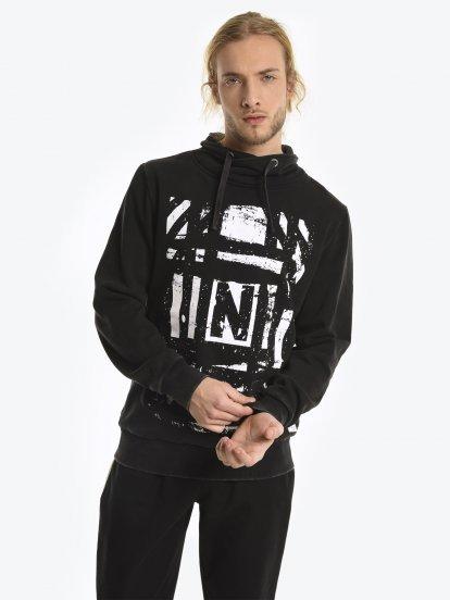 High collar sweatshirt with print
