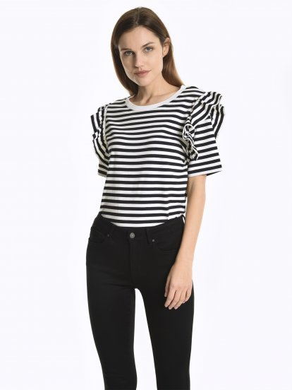 Striped t-shirt with ruffles