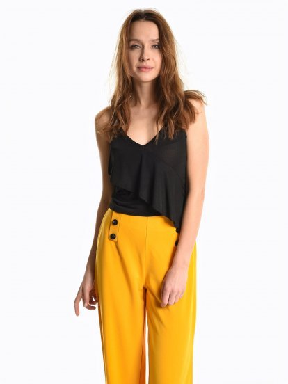 Crop top with ruffle
