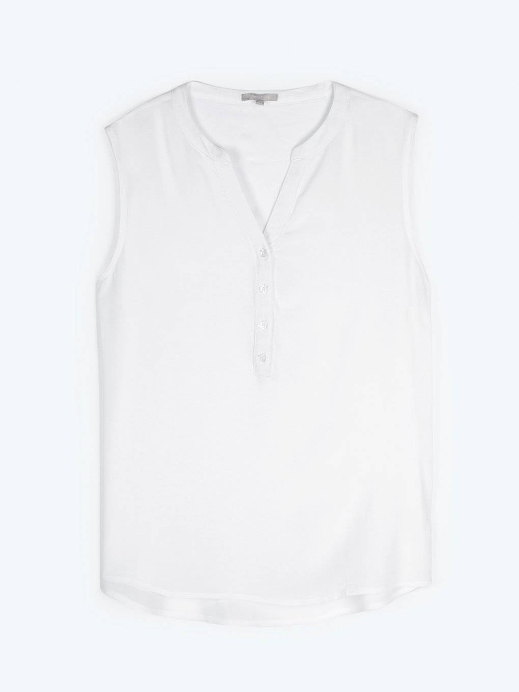 Basic sleeveless viscose blouse