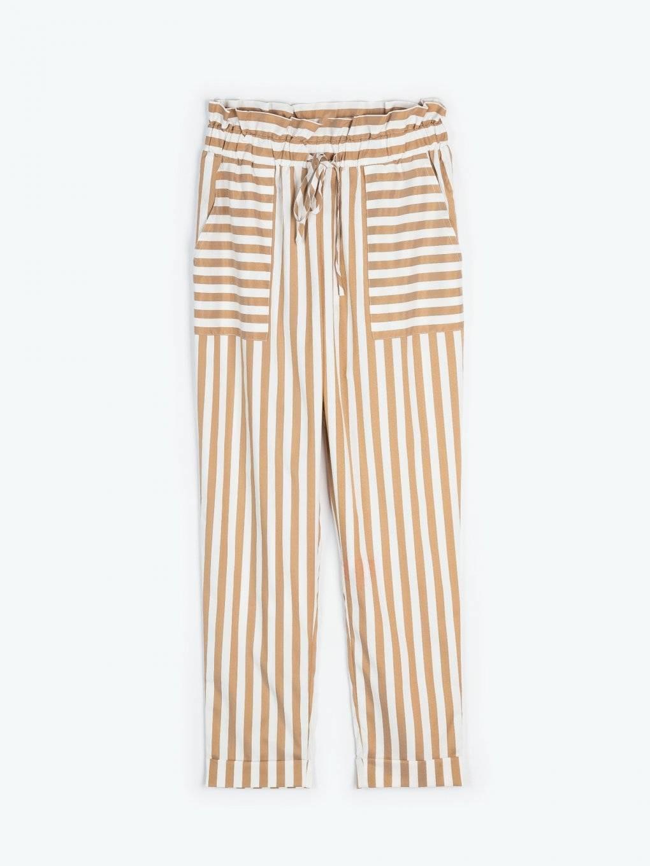 Prúžkované vrecové nohavice