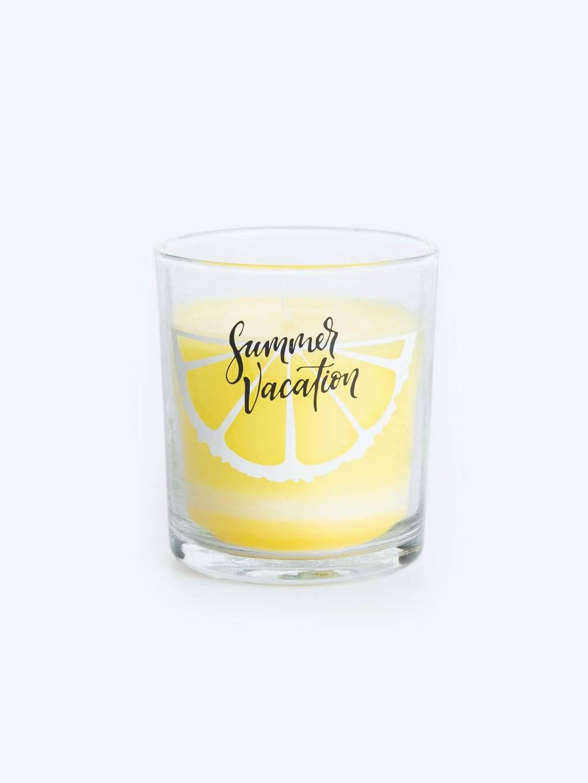 Vonná sviečka v pohári