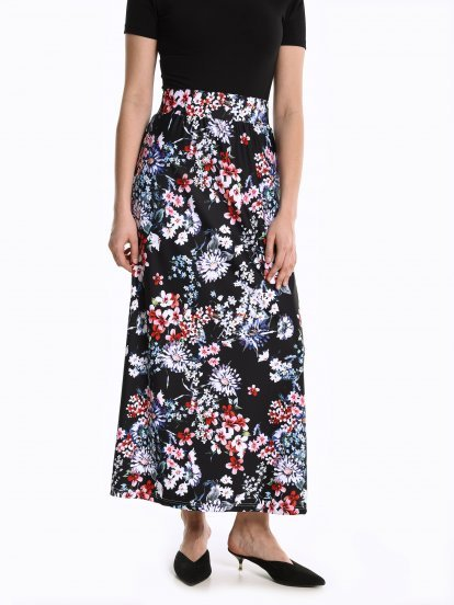 Maxi skirt with floral print