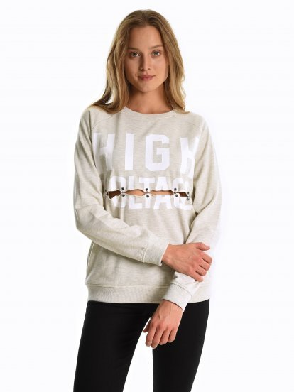 Sweatshirt with metal rings