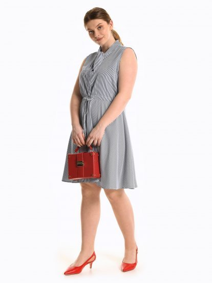 Proužkované šaty bez rukávů