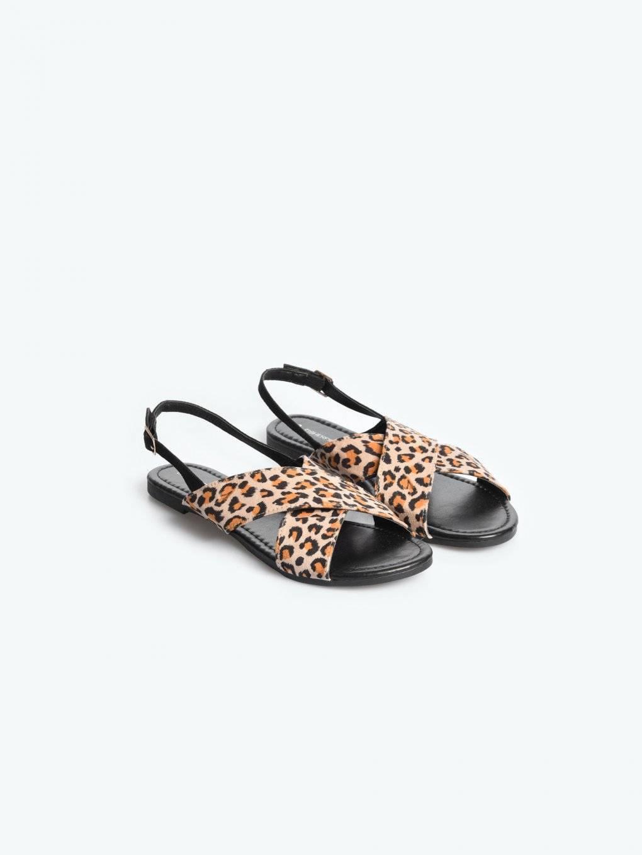 Sandały z motywem zwierzęcym