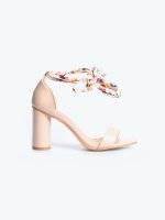 Block heel sandals with ribbon