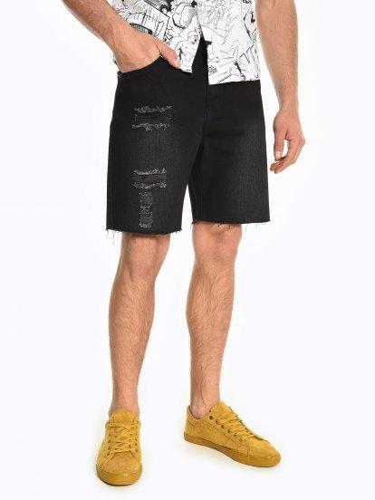 Denimové šortky s obnošeným vzhledem