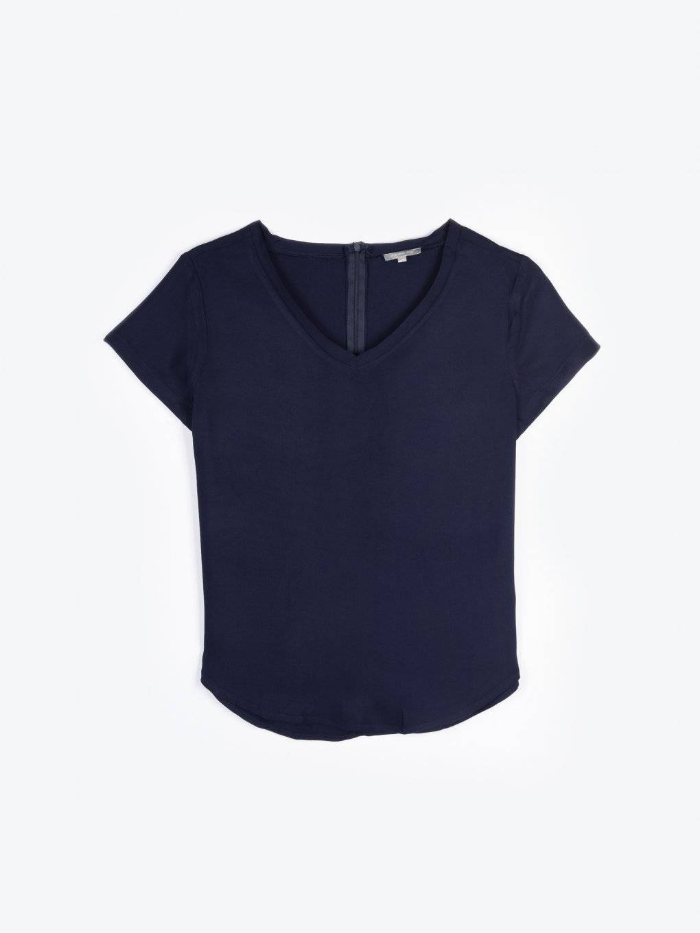 Basic viscose v-neck blouse