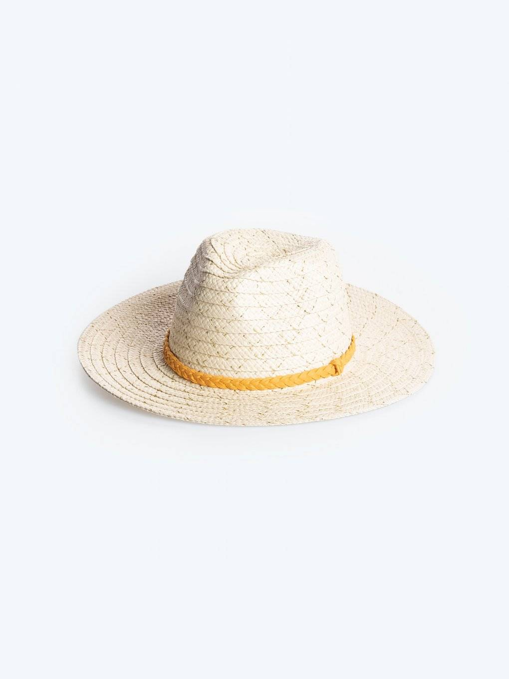 Panama hat with metallic fibre