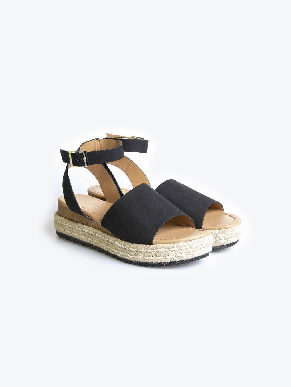 Sandále na platformě