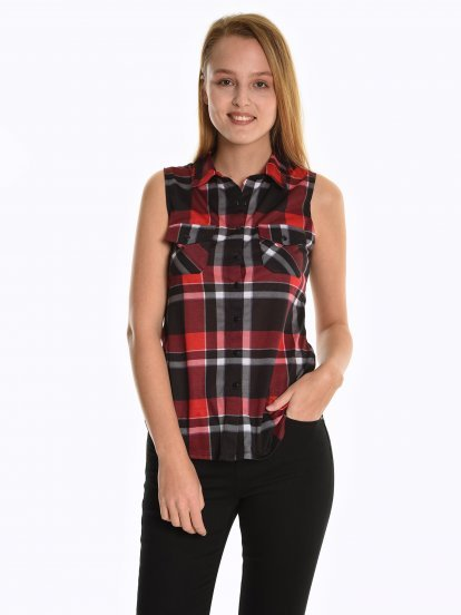 Plaid sleeveless shirt