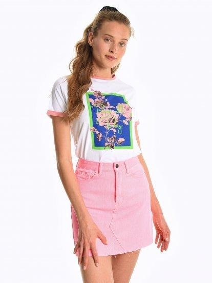 Tričko s potiskem a kontrastním lemováním