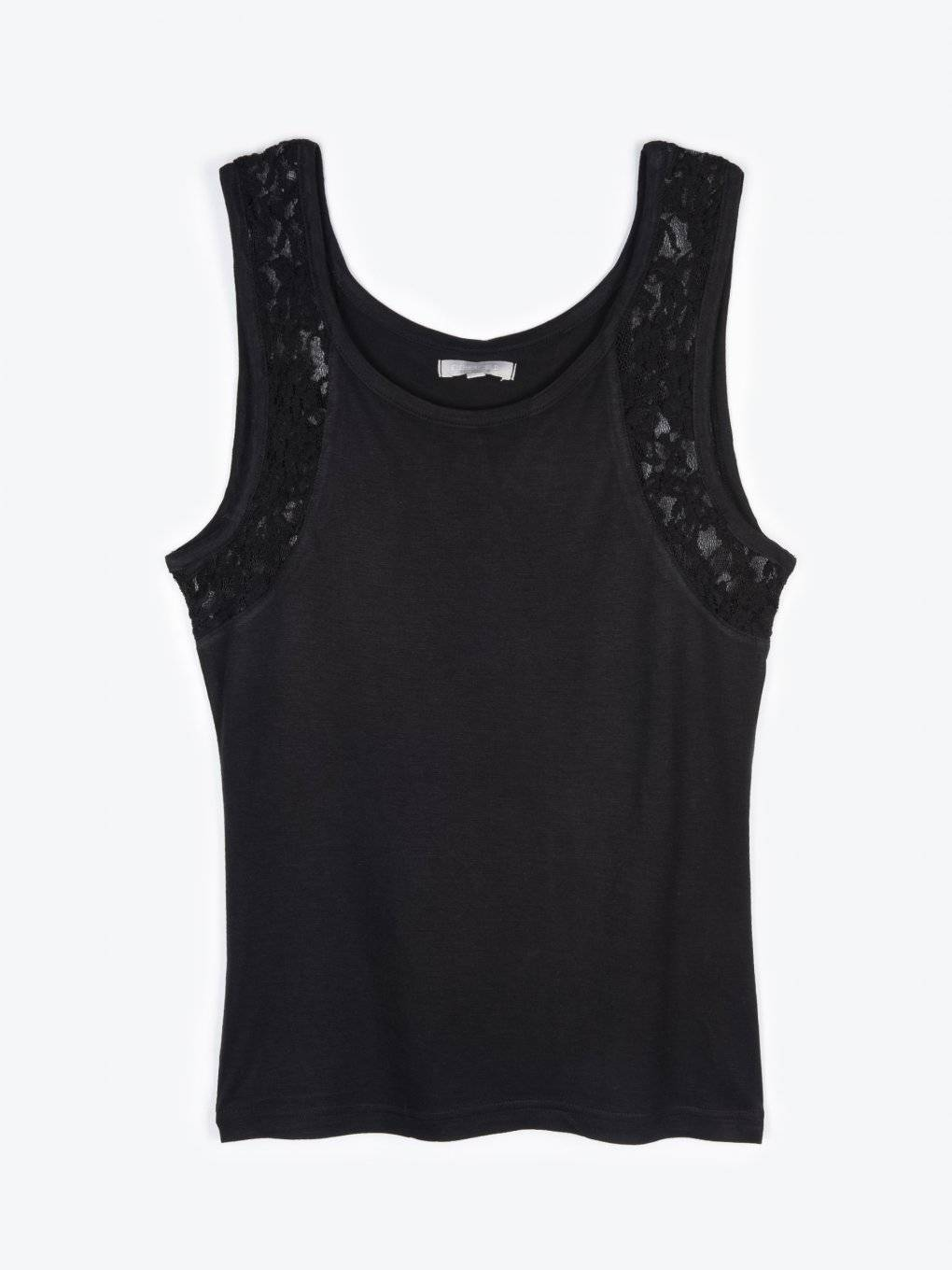 Tank with lace