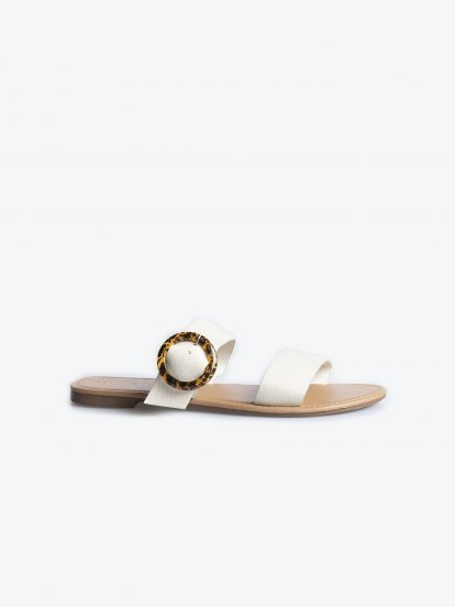 Slides with tortoise buckle