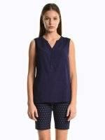 Basic sleeveless viscose blouse