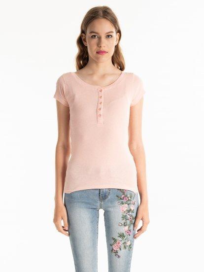 Tričko s knoflíky