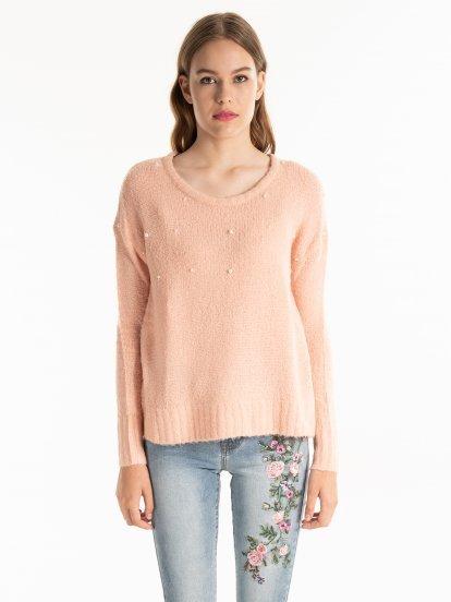 Široký sveter z vlnenej zmesi s perlami