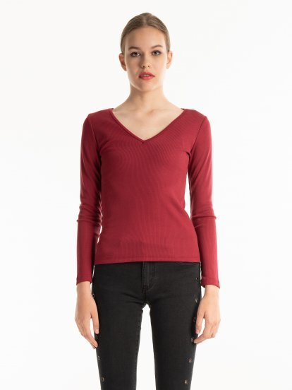 RIB-KNIT V-NECK T-SHIRT