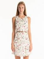 Floral print sleeveless dress with belt